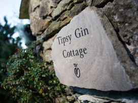 Tipsy Gin Cottage - Lake District - 1041196 - thumbnail photo 19