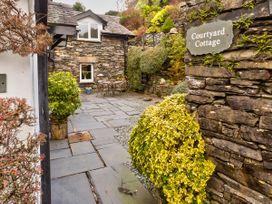 Courtyard Cottage - Lake District - 1041201 - thumbnail photo 13
