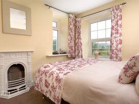 Smithy Cottage at Bowland Bridge - Lake District - 1041539 - thumbnail photo 14