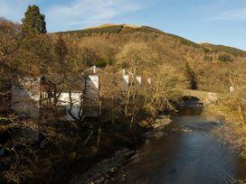 Keswick Bridge Helvellyn  7 - Lake District - 1041572 - thumbnail photo 18