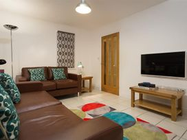 3 bedroom Cottage for rent in White Cross Bay