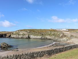 5 Porthdafarch South Cottages - Anglesey - 1042998 - thumbnail photo 2