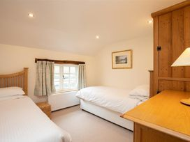 Forest Cottage - Lake District - 1043112 - thumbnail photo 11
