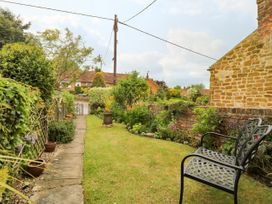 4 Castle Cottage - Whitby & North Yorkshire - 1043214 - thumbnail photo 2