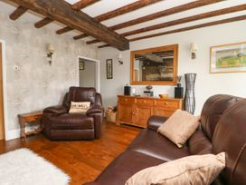 4 Castle Cottage - Whitby & North Yorkshire - 1043214 - thumbnail photo 4