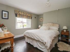 4 Castle Cottage - Whitby & North Yorkshire - 1043214 - thumbnail photo 12