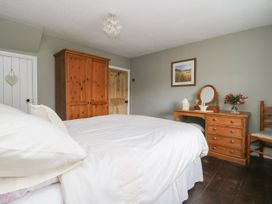 4 Castle Cottage - Whitby & North Yorkshire - 1043214 - thumbnail photo 14