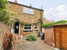 4 Castle Cottage - Whitby & North Yorkshire - 1043214 - thumbnail photo 20