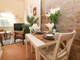 The Garden Room @ Brookcliff House - Peak District - 1043270 - thumbnail photo 4