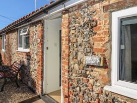 Holly Cottage - Suffolk & Essex - 1043272 - thumbnail photo 3