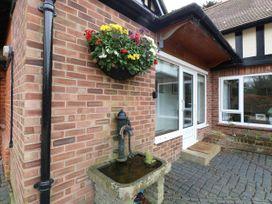 The Lodge - Norfolk - 1043545 - thumbnail photo 2