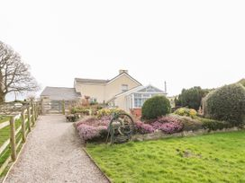 1 bedroom Cottage for rent in Llanfair Talhaiarn