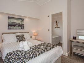 Sherwood 12 (Gold 2 Bedroom) - Lake District - 1043797 - thumbnail photo 16
