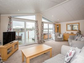 Capernwray 21 (Platinum 3 Bedroom-Pet with Hot Tub) - Lake District - 1043800 - thumbnail photo 3