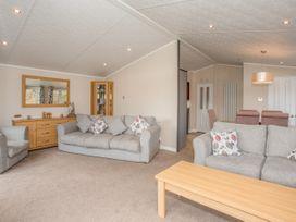 Capernwray 21 (Platinum 3 Bedroom-Pet with Hot Tub) - Lake District - 1043800 - thumbnail photo 5
