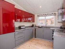 Capernwray 21 (Platinum 3 Bedroom-Pet with Hot Tub) - Lake District - 1043800 - thumbnail photo 7
