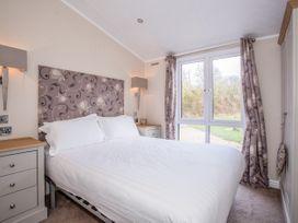 Capernwray 21 (Platinum 3 Bedroom-Pet with Hot Tub) - Lake District - 1043800 - thumbnail photo 10