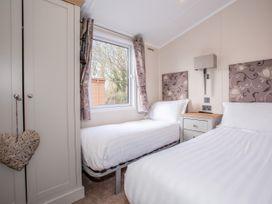 Capernwray 21 (Platinum 3 Bedroom-Pet with Hot Tub) - Lake District - 1043800 - thumbnail photo 11