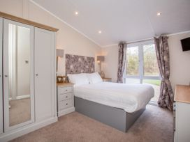 Capernwray 21 (Platinum 3 Bedroom-Pet with Hot Tub) - Lake District - 1043800 - thumbnail photo 12
