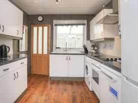 Fern Hill Cottage - Anglesey - 1043827 - thumbnail photo 6