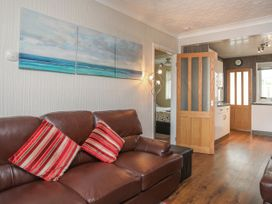 Fern Hill Cottage - Anglesey - 1043827 - thumbnail photo 4