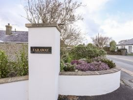 Faraway - North Wales - 1043912 - thumbnail photo 3