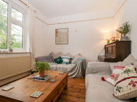 Teacher's Cottage - Somerset & Wiltshire - 1043945 - thumbnail photo 6