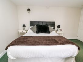 Triangle Inn Coachouse - Mid Wales - 1044333 - thumbnail photo 6