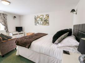 Triangle Inn Coachouse - Mid Wales - 1044333 - thumbnail photo 7