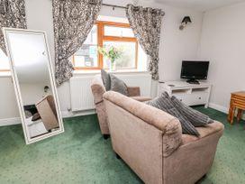 Triangle Inn Coachouse - Mid Wales - 1044333 - thumbnail photo 3