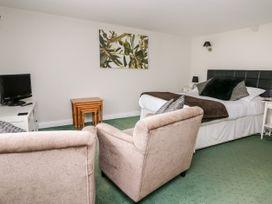 Triangle Inn Coachouse - Mid Wales - 1044333 - thumbnail photo 4