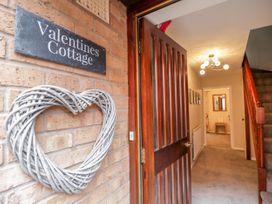 Valentines Cottage - Cotswolds - 1044587 - thumbnail photo 2