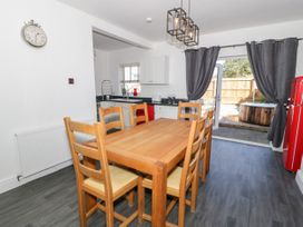4 Berwyn Crescent - North Wales - 1044589 - thumbnail photo 4