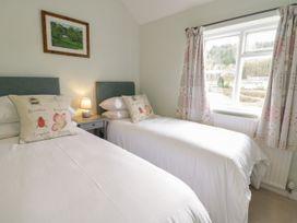 Glanbrogan Cottage - Mid Wales - 1044629 - thumbnail photo 17