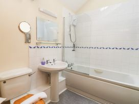 Swan Cottage - Whitby & North Yorkshire - 1044747 - thumbnail photo 15