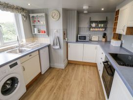 7 Lilac Terrace - Whitby & North Yorkshire - 1044845 - thumbnail photo 9