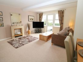 12 Llys Rhostrefor - Anglesey - 1044884 - thumbnail photo 3