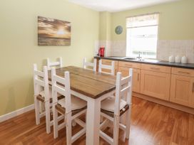 12 Llys Rhostrefor - Anglesey - 1044884 - thumbnail photo 8