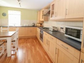 12 Llys Rhostrefor - Anglesey - 1044884 - thumbnail photo 9