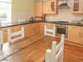 12 Llys Rhostrefor - Anglesey - 1044884 - thumbnail photo 10