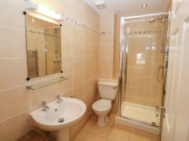 12 Llys Rhostrefor - Anglesey - 1044884 - thumbnail photo 18