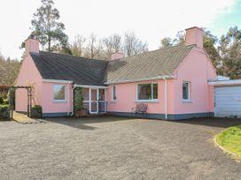 The Pink Bungalow - Antrim - 1044974 - thumbnail photo 2