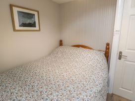 4 Arthur Terrace - North Wales - 1044982 - thumbnail photo 14