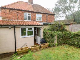 Crabapple Cottage - Whitby & North Yorkshire - 1044991 - thumbnail photo 21