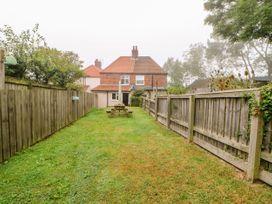 Crabapple Cottage - Whitby & North Yorkshire - 1044991 - thumbnail photo 22