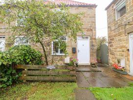 Crabapple Cottage - Whitby & North Yorkshire - 1044991 - thumbnail photo 3