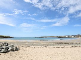 Little Mead - Anglesey - 1045074 - thumbnail photo 32
