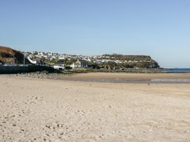Benllech Bay Apartment 2 - Anglesey - 1045483 - thumbnail photo 22