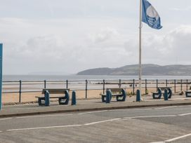 Benllech Bay Apartment 2 - Anglesey - 1045483 - thumbnail photo 23