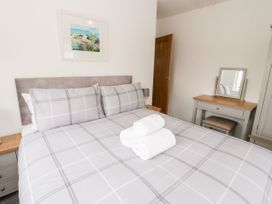 Benllech Bay Apartment 2 - Anglesey - 1045483 - thumbnail photo 14